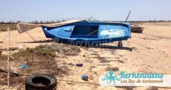 Bateau de pêcheur en cale sèche et désolation - Kerkennah (Tunisie)