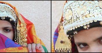 Émotion kerkennienne Enfant en tenue et bijoux tradtionnels