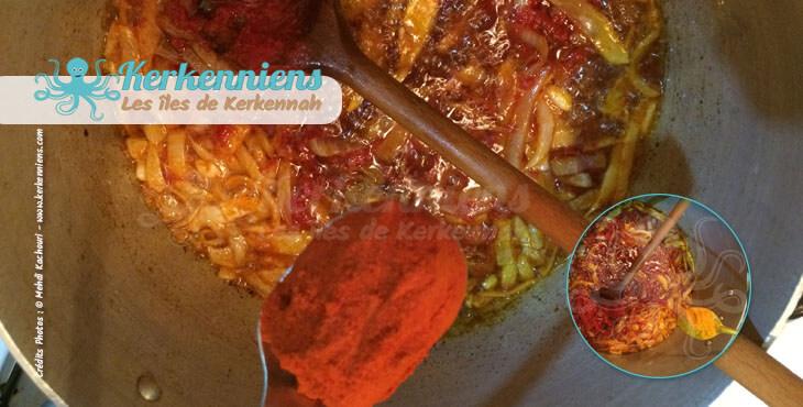 Ajout des tomates et piments pour le couscous bel besbès et chouabi la recette de cuisine
