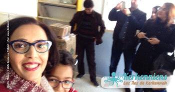 Bénévoles satisfaits de la collecte de livres bibliothèque Ouled Yaneg, Kerkennah