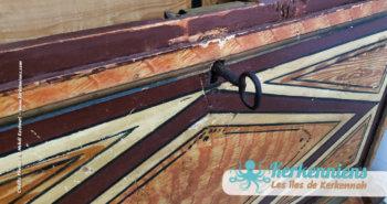 Gros plan sur la clef du coffre, coffre en bois ancien, Sandouk