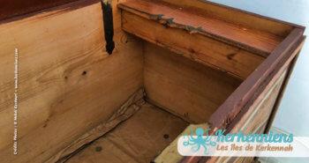 Intérieur du coffre, coffre en bois ancien, Sandouk