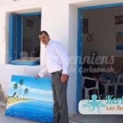 Ahmed Neji Souissi devant son atelier