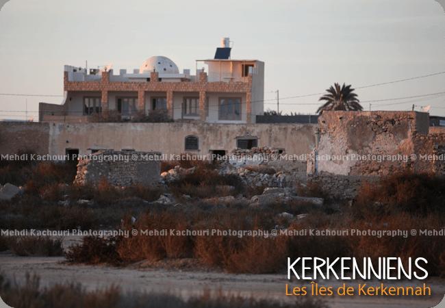 Maison en ruine et modernité Ouled Bou Ali Kerkennah Tunisie