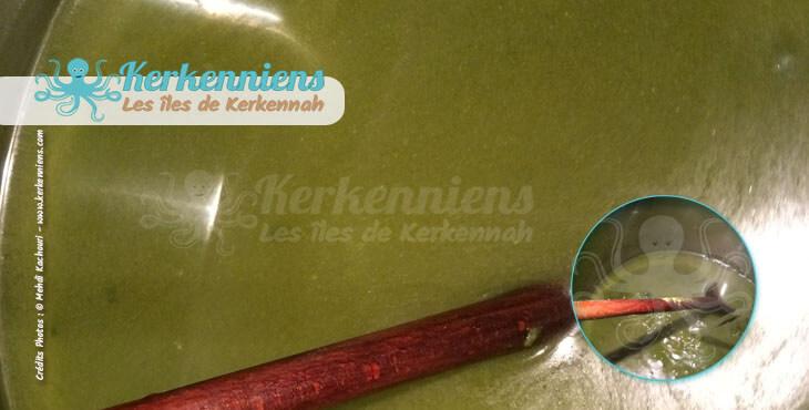Mloukhiya au poulpe (bel karnit) ajout eau recette cuisine Kerkenniens