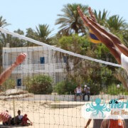 Attaque Smash beach volleyball retour Tournoi de Beach volley Association Sports et Loisirs de Kerkennah