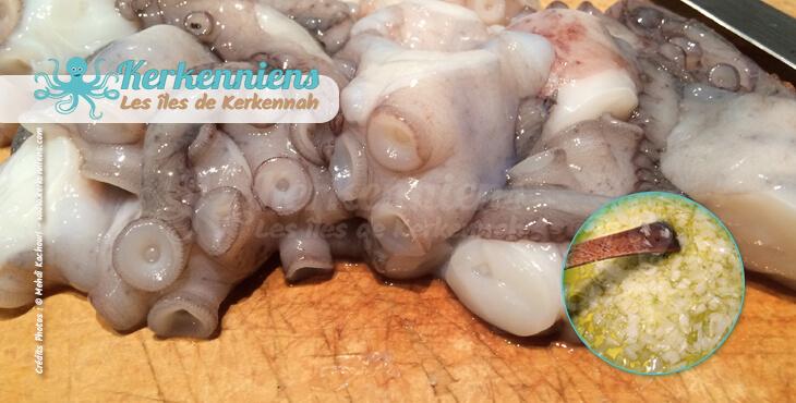 Égoutter le poulpe et le couper en morceaux Kamounia au poulpe (bel karnit) Kamounia bel 9arnit