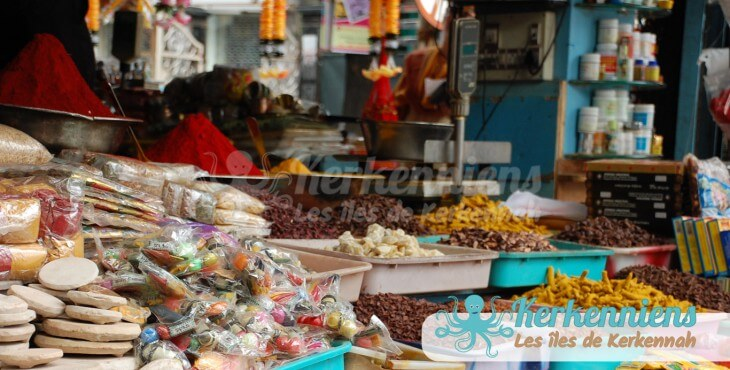 El Maghaza (la boutique) des karknia (kerkennienne) et karkni (Kerkennien)