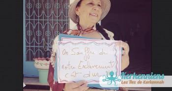 Samira Slimen, devantle siège de la Délégation de Kerkennah