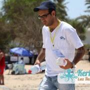 Ravitaillement de l'eau Tournoi de Beach volley Association Sports et Loisirs de Kerkennah