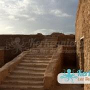 Les escaliers du fort Lahsar