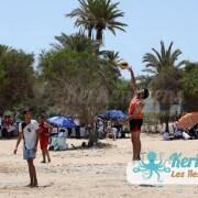Service beach volley ball retour Tournoi de Beach volley Association Sports et Loisirs de Kerkennah
