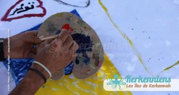 Préparation de la couleur l'Atelier de dessin Tournoi de Beach volley Association Sports et Loisirs de Kerkennah